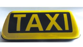 taxi_dachschild_beleuchtet